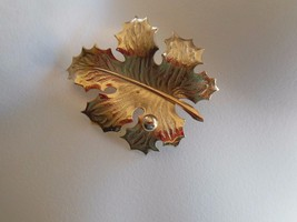 Vintage Giovanni Gold Tone Leaf Brooch/Pin - $9.90