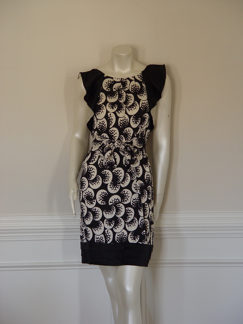 DIANE von FURSTENBERG HAYTAN BUBBLE MOONS DRESS - US 6 - UK 10