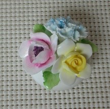 Royal Doulton English Bone China 3 Flower Bouquet In A Bowl Vase Miniature - $29.09