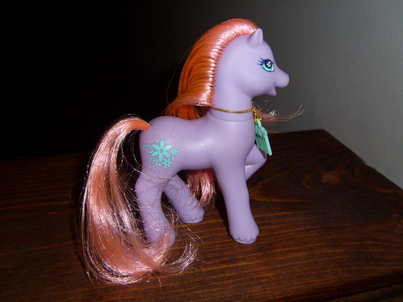 My Little Pony G2 Secret Surprise Petal Blossom with comb