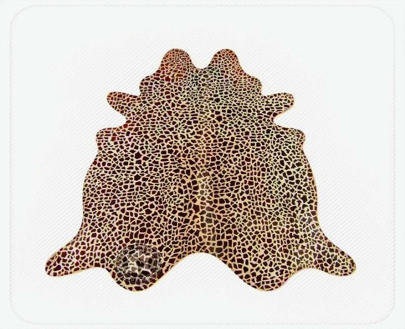 Giraffe chestnut on light beige  2