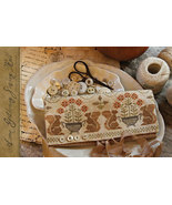 CLEARANCE Acorn Gathering Sewing Roll chart Wit... - $8.00
