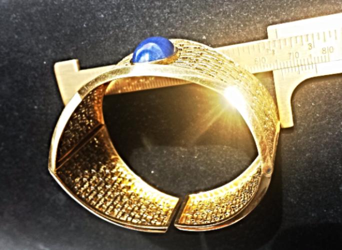 HandForged~POSH CLASSIC ITALIA~VTG 18K Y.GOLD BANGLE BRACELET Lapis Lazuli~46g.
