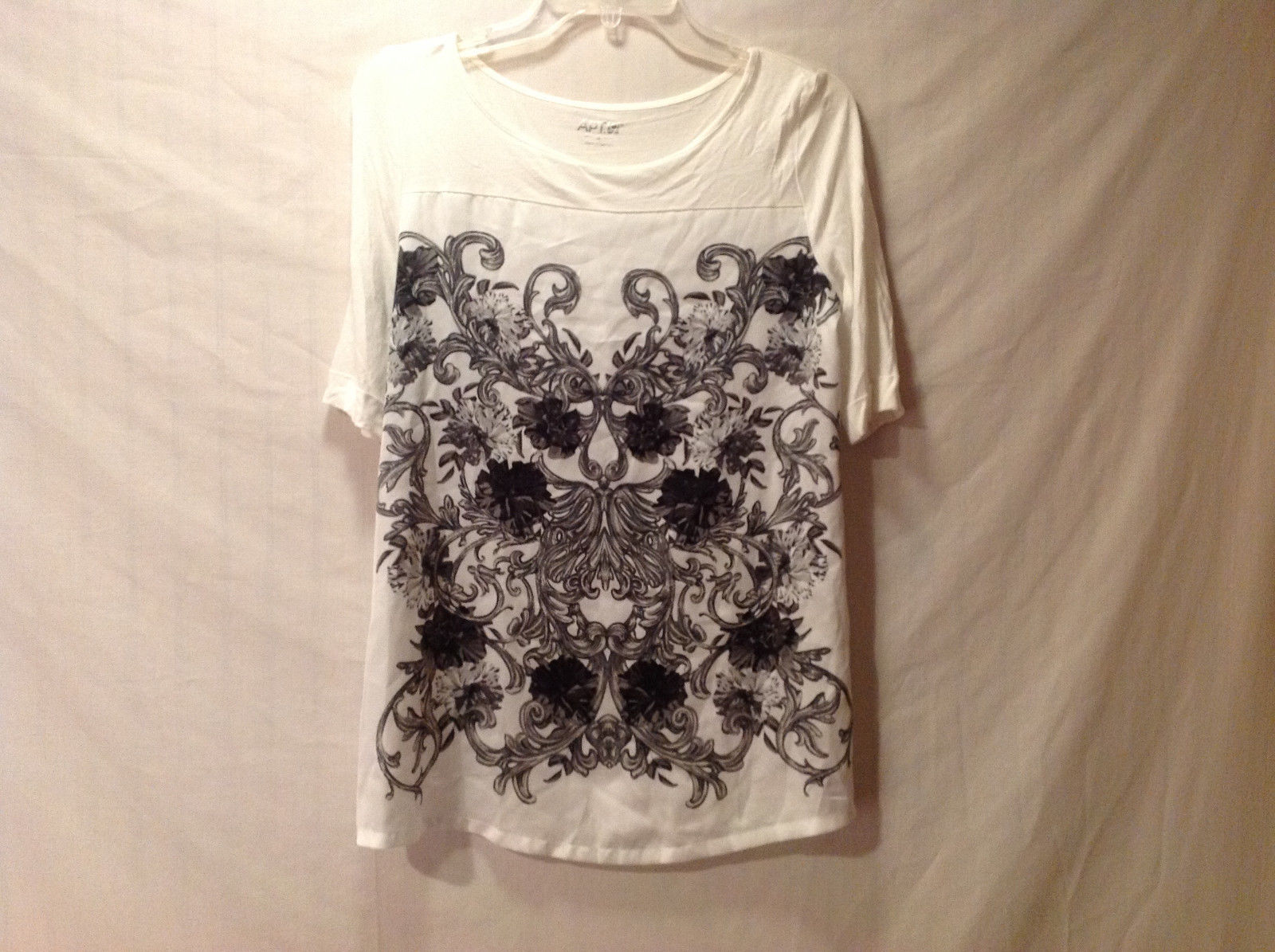 "Apt. 9 Women's Size S White ""T-Shirt"" Tee Top Black Baroque Floral Print Rayon"