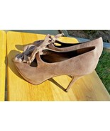 LIMELIGHT Size 11 Truffle Double Bows Tan Taupe Suede Padded Peep Toe St... - $29.69