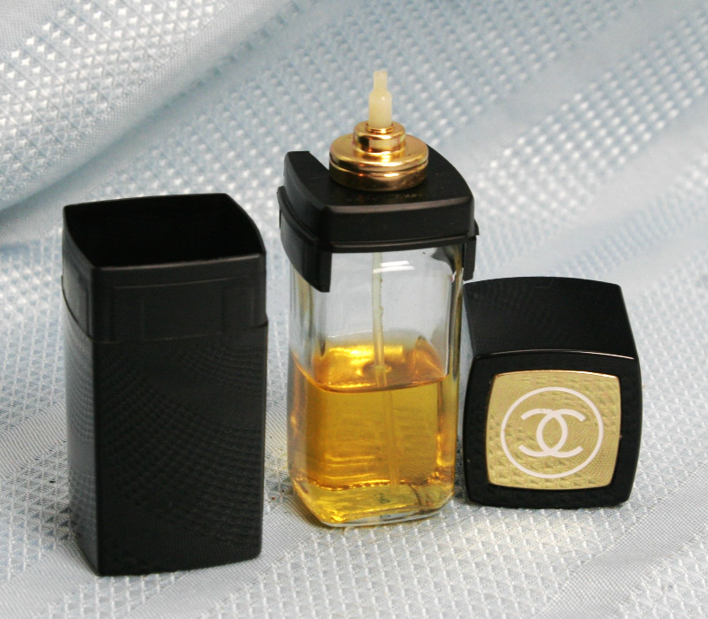 Chanel Atomizer Case w Chanel no 5 Refillable Perfume Bottle 1 1/2 Oz approx 45% image 2