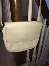 Vintage Coach Cream Tailored Pouch Leather Shoulder Purse style #4110 USA - $24.75
