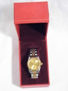 vintage Ladies GENEVA QUARTZ Gold & Silvertone wrist WATCH - works great!