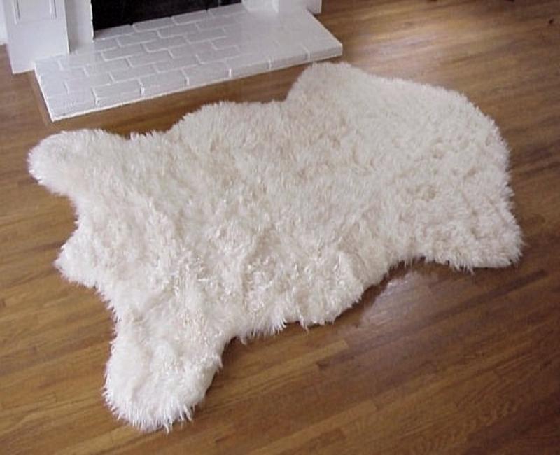 Fake faux fur alaskan polar bear rug