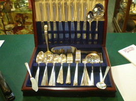WM A Rogers Onieda Ltd Flatware 1938 Margate 69 Piece Set - $262.84