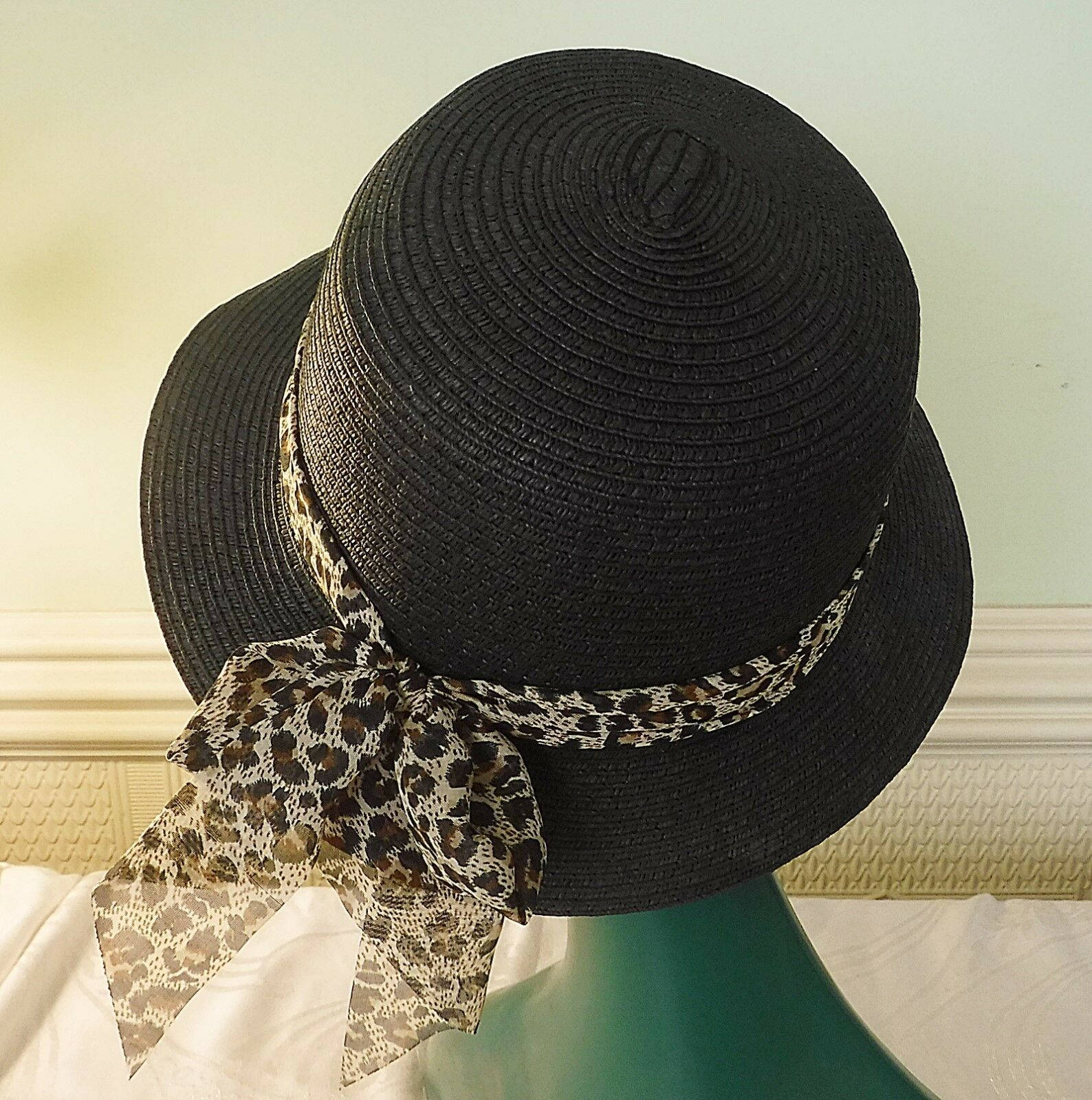 COOL TOUCH & GO SOFT STRUCTURE STRAW HAT CLASSICAL BLACK ANIMAL PRINT BAND 57CM