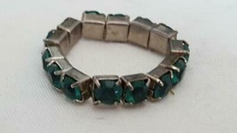 VINTAGE GREEN EMERALD PRONGED RHINESTONE STRETCH FASHION RING, ANY SIZE ... - $4.94