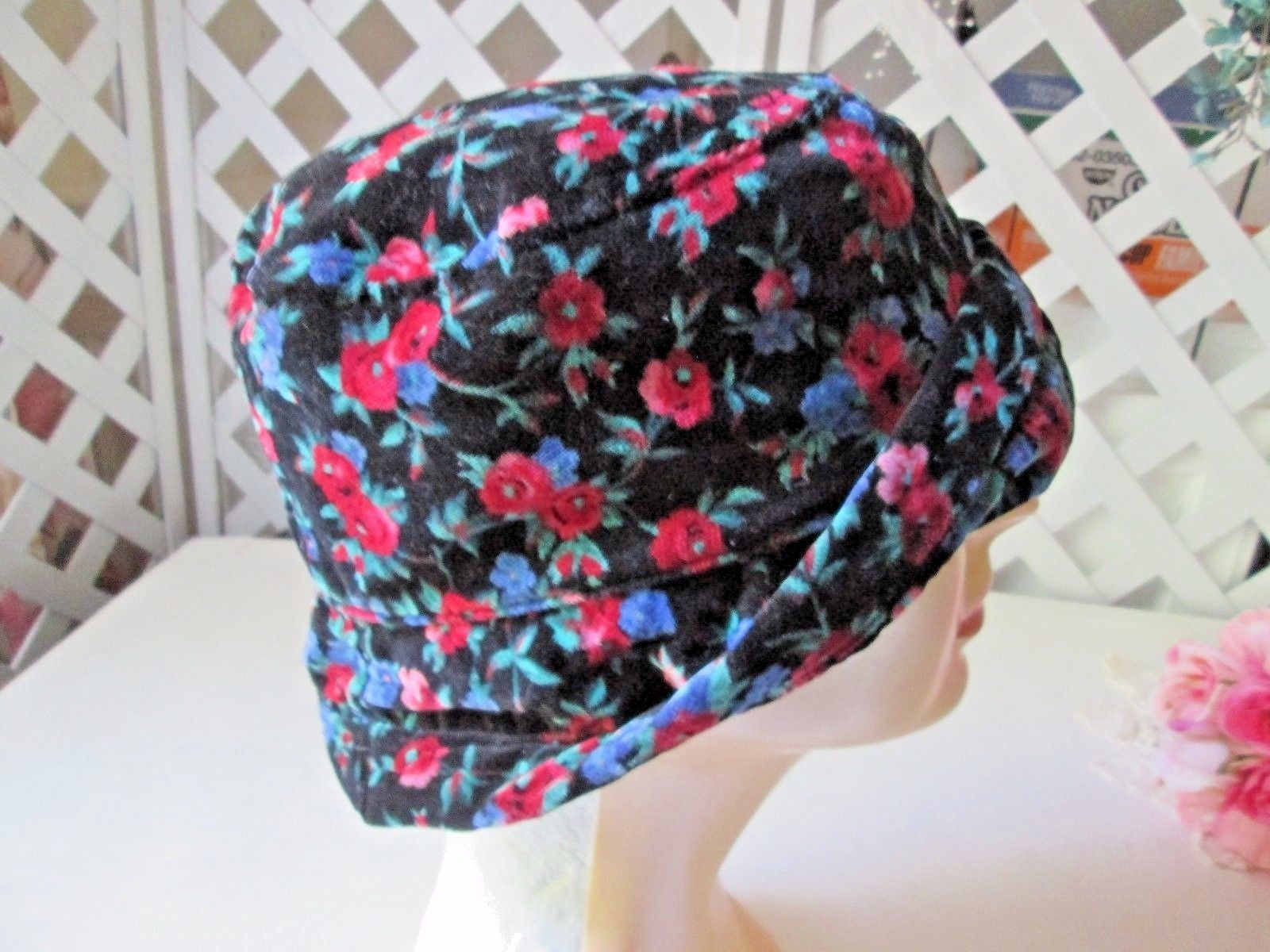 96a2fdb96bad2 Floral black velvet bucket hat The Gap L and 50 similar items