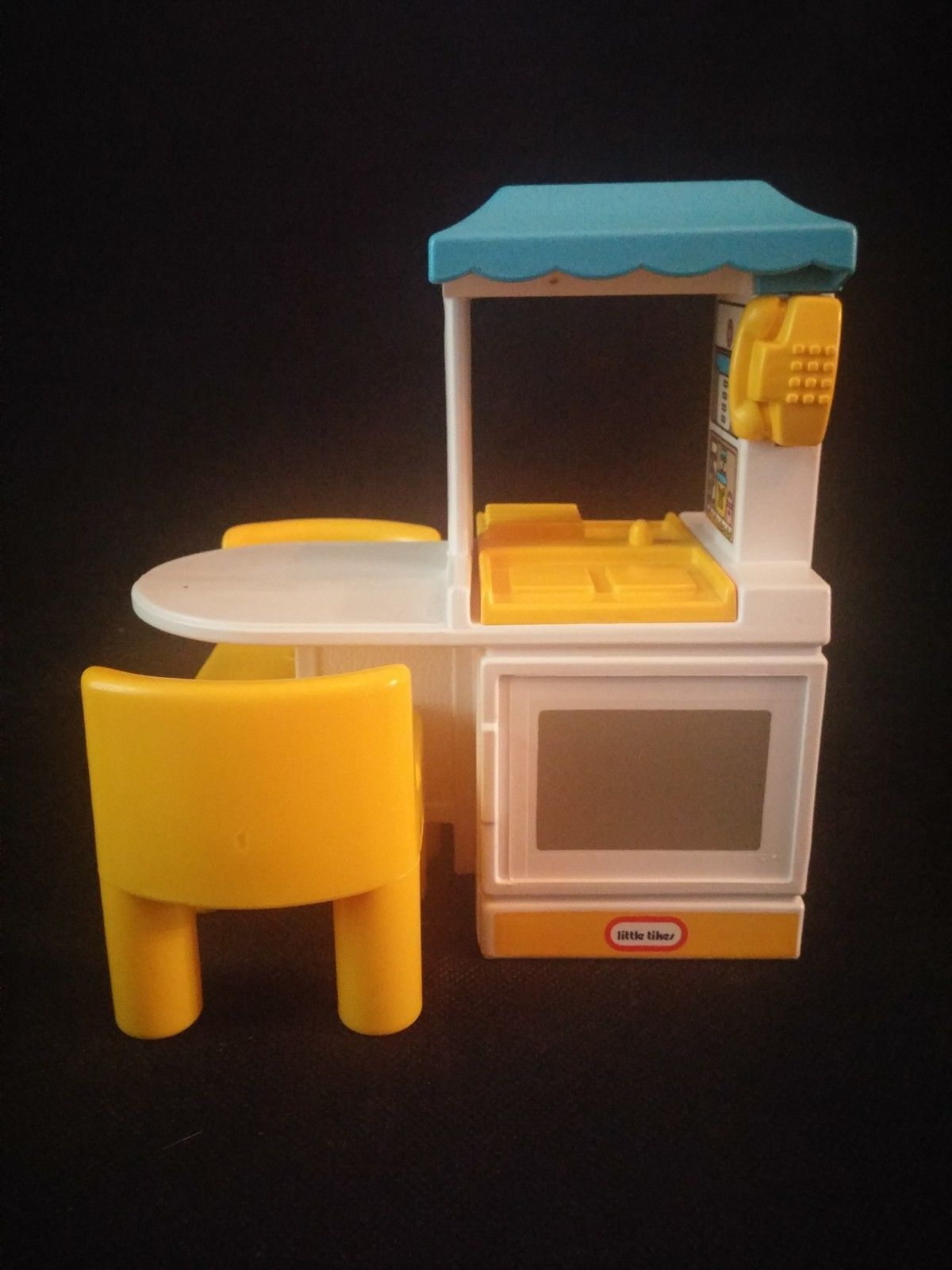 Vintage Little Tikes Tykes Dollhouse Kitchen Island  with Two Yellow Chairs