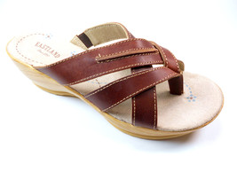 EASTLAND PEPPERS WOMEN'S PEANUT LEATHER THONG SANDALS - $34.99