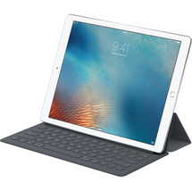 """FACTORY SEALED SMART KEYBOARD  FOR APPLE IPAD PRO 9.7"""" MM2L2AM/A - $145.00"""
