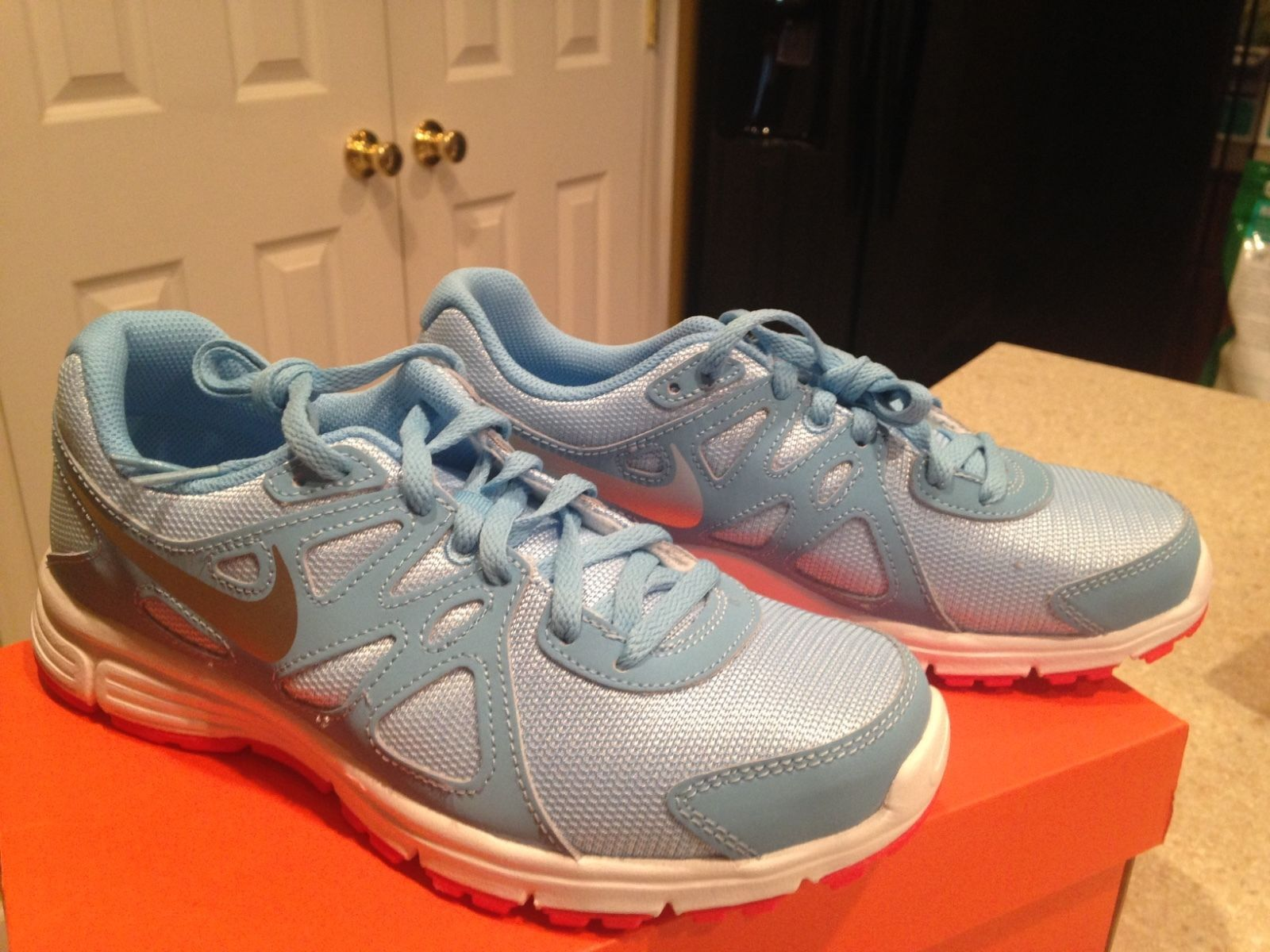 more photos 77cc1 4e72b Nike Revolution 2 GS 555090 403 size 5.5,6Y and 50 similar items