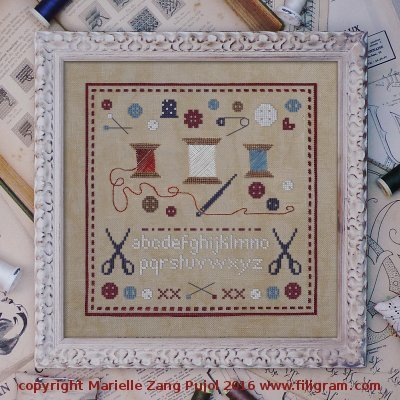 SILK FLOSS PACK Reels and Buttons cross stitch Filigram Dinky Dyes