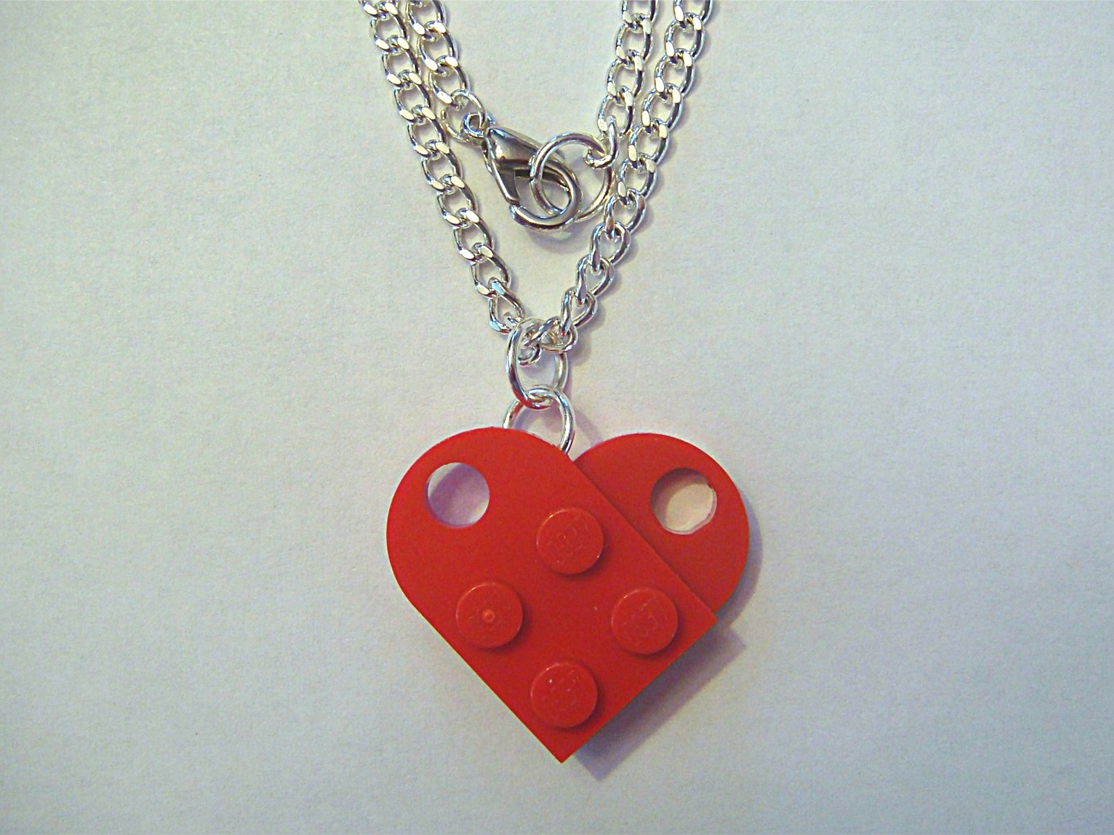Heart necklace red1