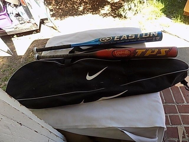 2 Easton Fast Pitch Official Softball Bats 11oz & 22 oz with Nike Equipment Bag