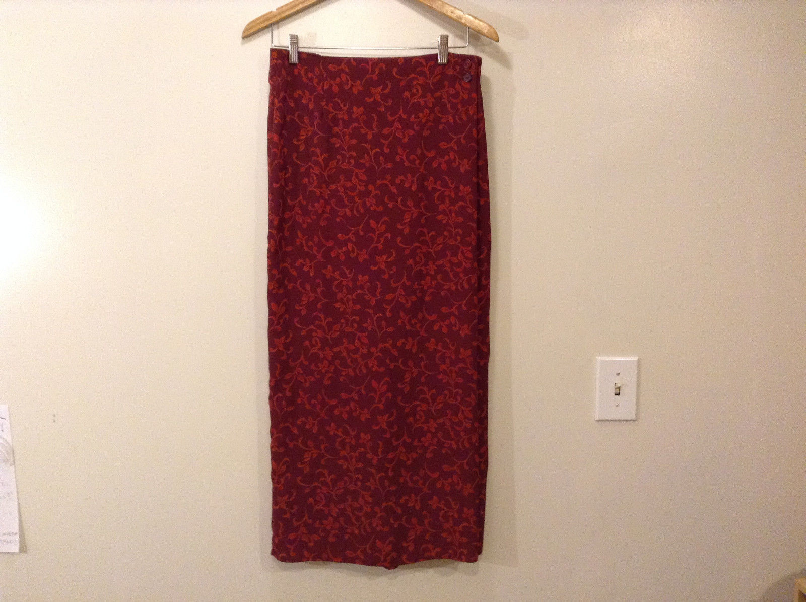 New York & Company Women Size M Maxi Skirt Red Baroque Print Elastic Waist NY&CO