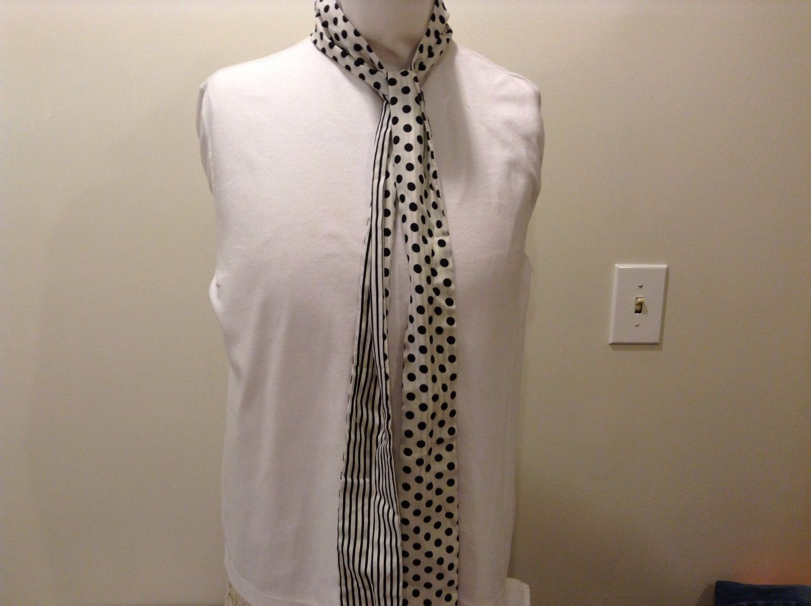 100% Polyester White Black Striped Dotted Trapezoid Scarf