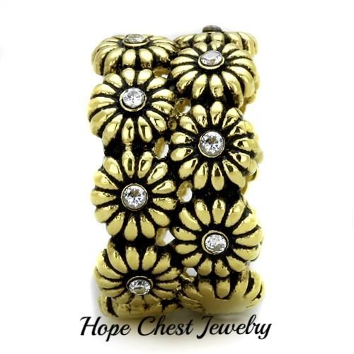 HCJ GOLD TONE STAINLESS STEEL DAISY FLOWER CZ 13MM BAND FASHION RING