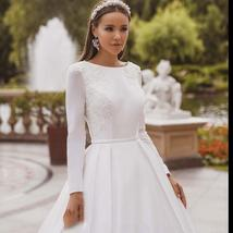 Elegant Solid Long Sleeve Satin Long Sleeve Lace Winter Wedding Gown image 5
