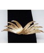 "LISNER ""Wings"" Design matte Gold tone Vintage BROOCH Pin - 3 1/8 in. - F... - $25.00"
