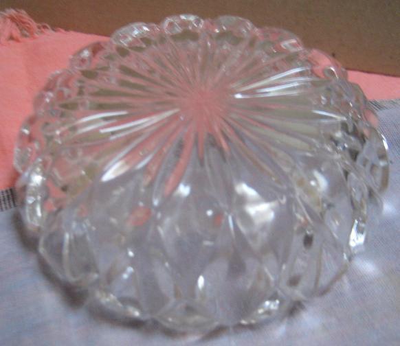 VINTAGE CRYSTAL GLASS BOWL / CANDY DISH MODERN DESIGN  SACRED GEOMETRY
