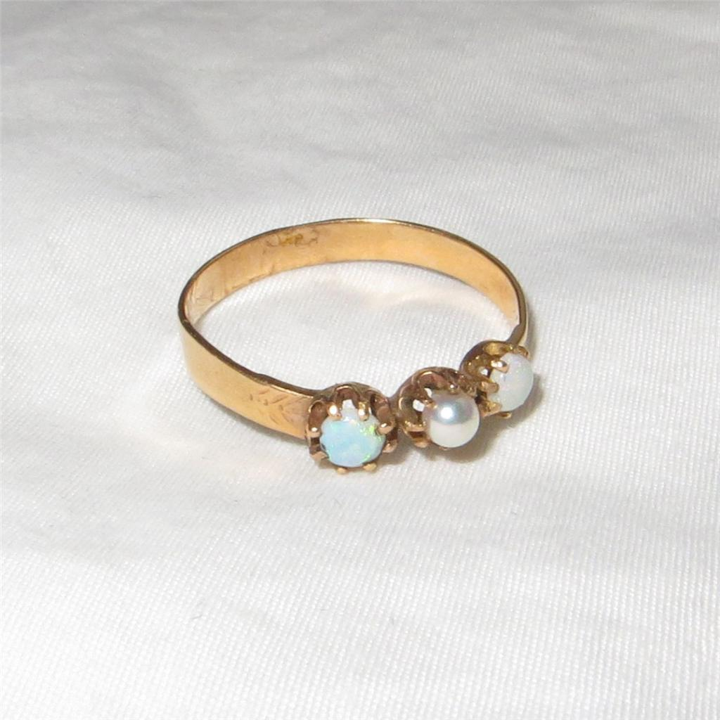 Antique Victorian 14K Gold Ring Opal and Pearl Size 6.5