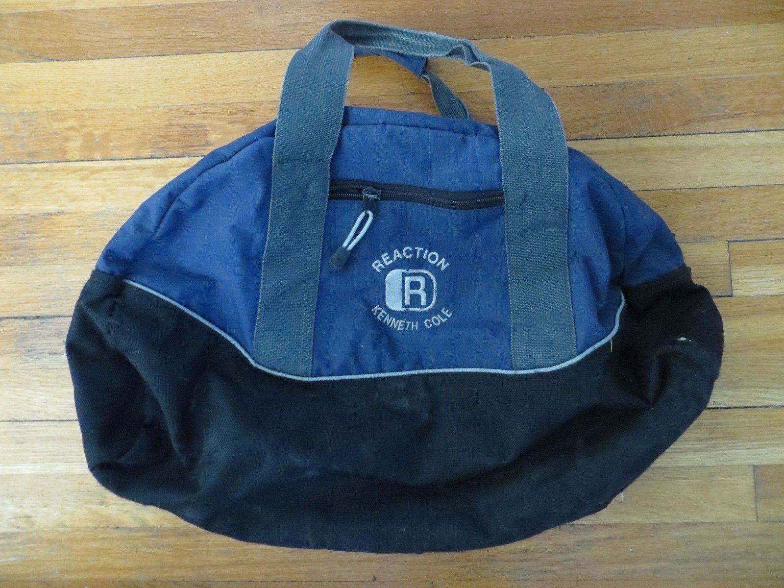 Kenneth Cole Reaction blue sporty duffle bag tote carry on travel gym overnight - $10.05