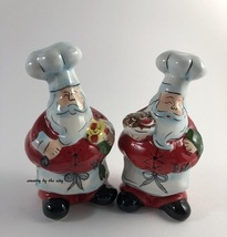 Holiday Santa Chef Salt & Pepper Set - $183,51 MXN