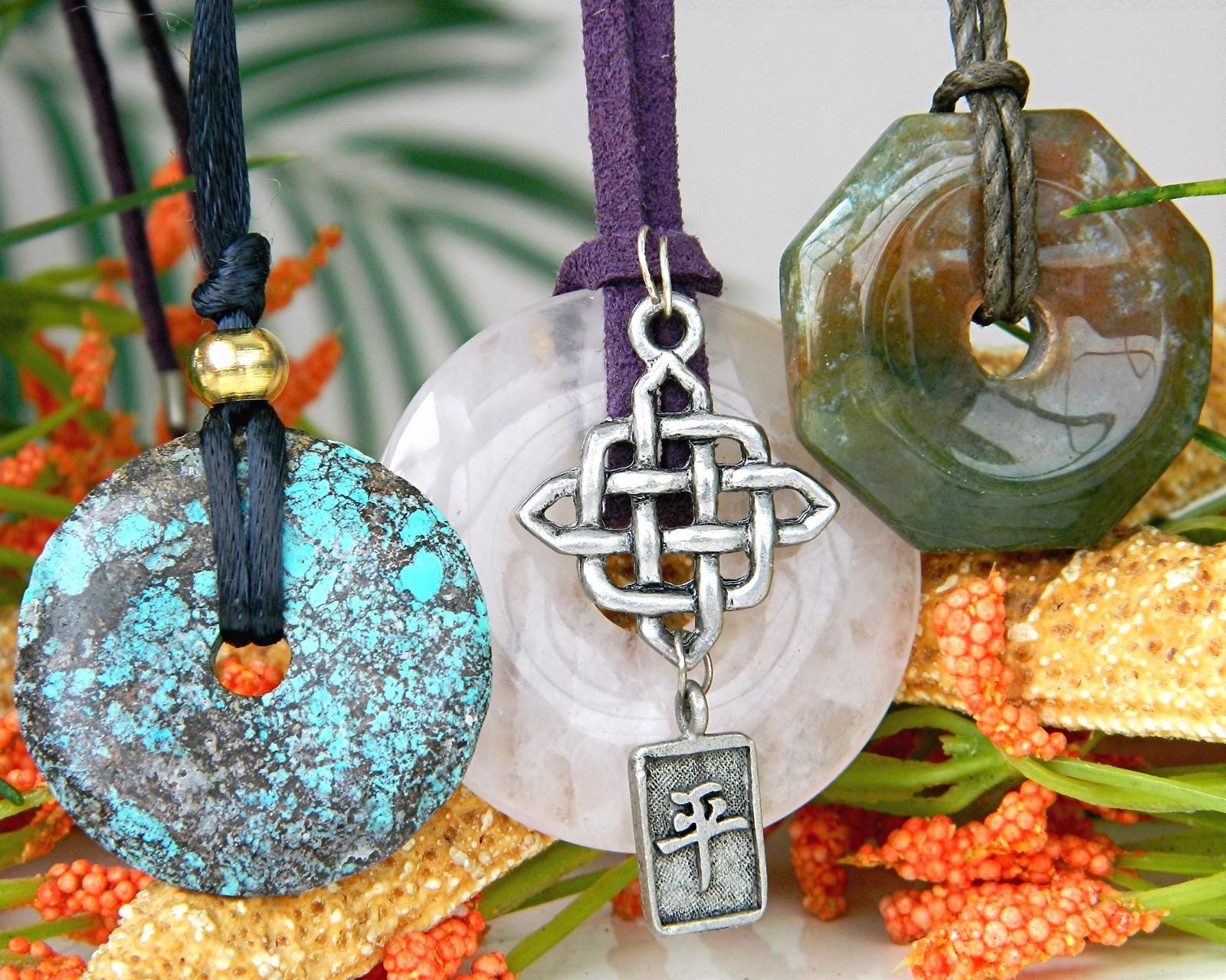 3 vintage donut quartz agate pendant necklaces round octagon