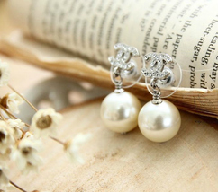 Authentic CHANEL Small Crystal CC LOGO PEARL DROP PIERCE EARRINGS Classic  image 5
