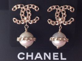 AUTH CHANEL TOP FALL GOLD CHAIN CC PEARL DANGLE DRESS EARRINGS  image 3