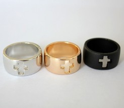 Stylish Unisex Rock Style Cutout Cross Band Metal Ring(Color: Silver /Bl... - $5.99