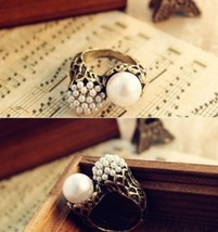 Asymmetric Pearl Alloy Cocktail Ring - $5.80