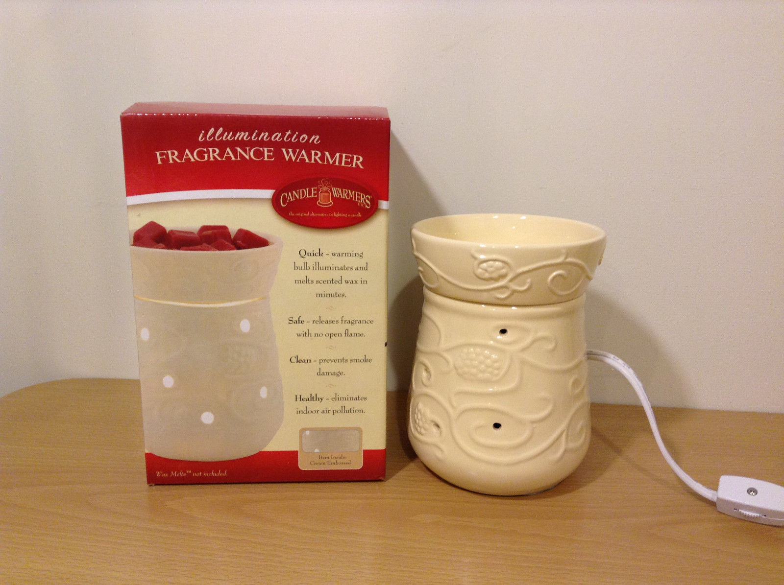 New in box Illumination Cream Embossed Ceramic Candle Fragrance Wax Warmer