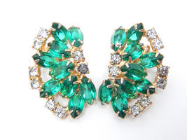 Designer JULIANA Huge Emerald Crystal and Rhinestone Vtg EARRINGS in Gol... - £34.72 GBP