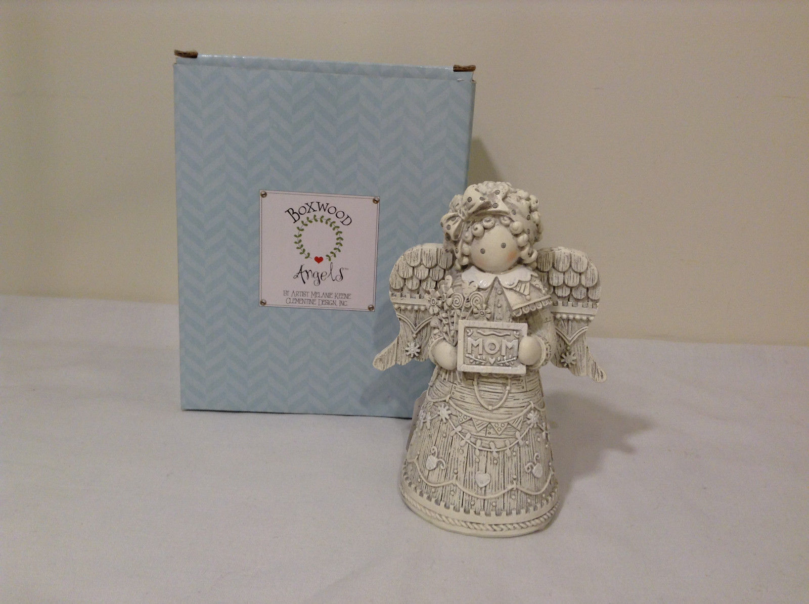 Boxwood Angels Clementine design Angel with MOM sign figurine NIB