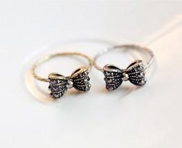Cute Vintage Bow Women's Slim Cocktail Ring(Color:Antique Gold /Antique Silver ) - $4.99