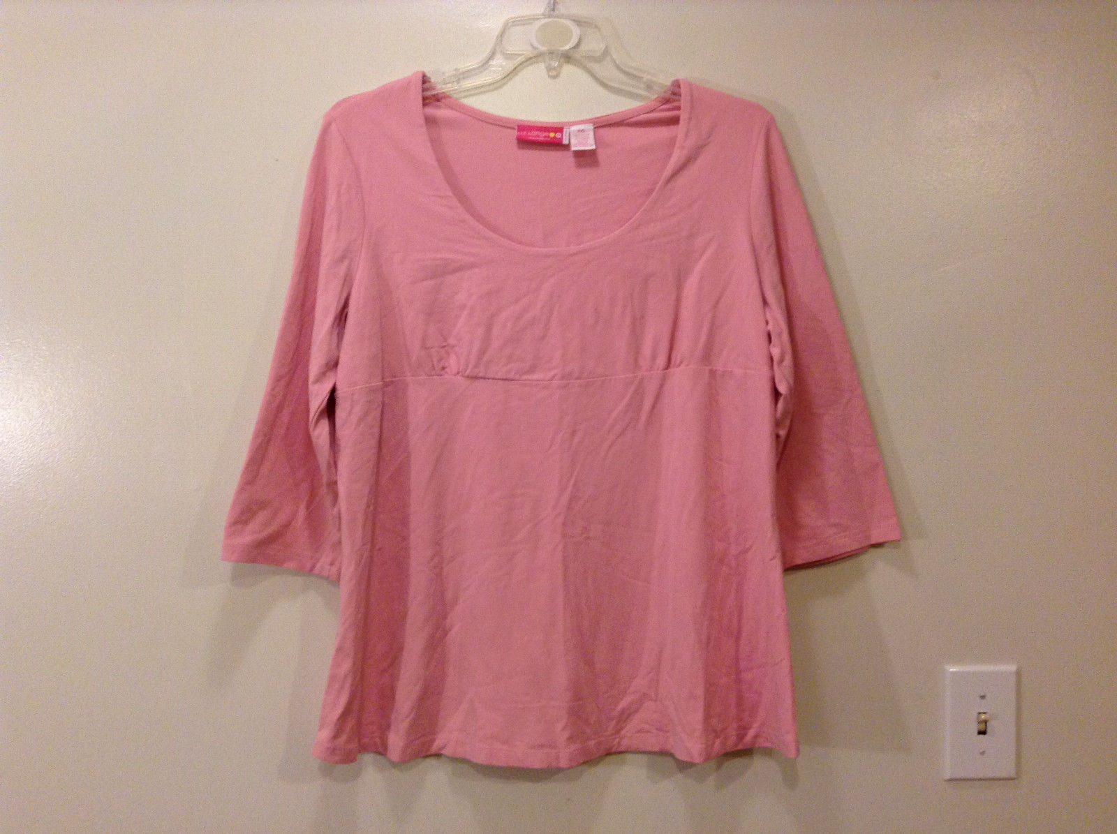 Maternity Liz Lange Stretch Pink Tee Blouse 3/4 sleeve size XXL Deep Scoop Neck