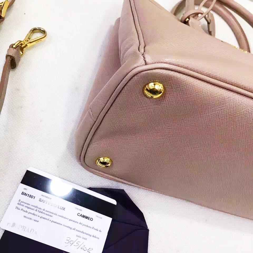 4222f97546c4 Authentic PRADA Classic Saffiano Cammeo Pink Leather Lux Small ote Bag GHW