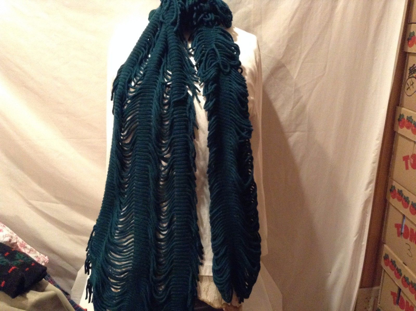 Green Ribbed Fringed Scarf Great Condition