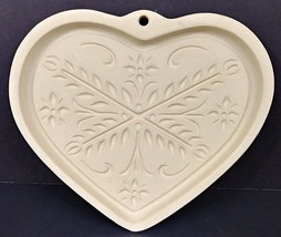 Pampered Chef Family Heritage 2000 Anniversary Heart Cookie Mold Stonewa... - $9.49