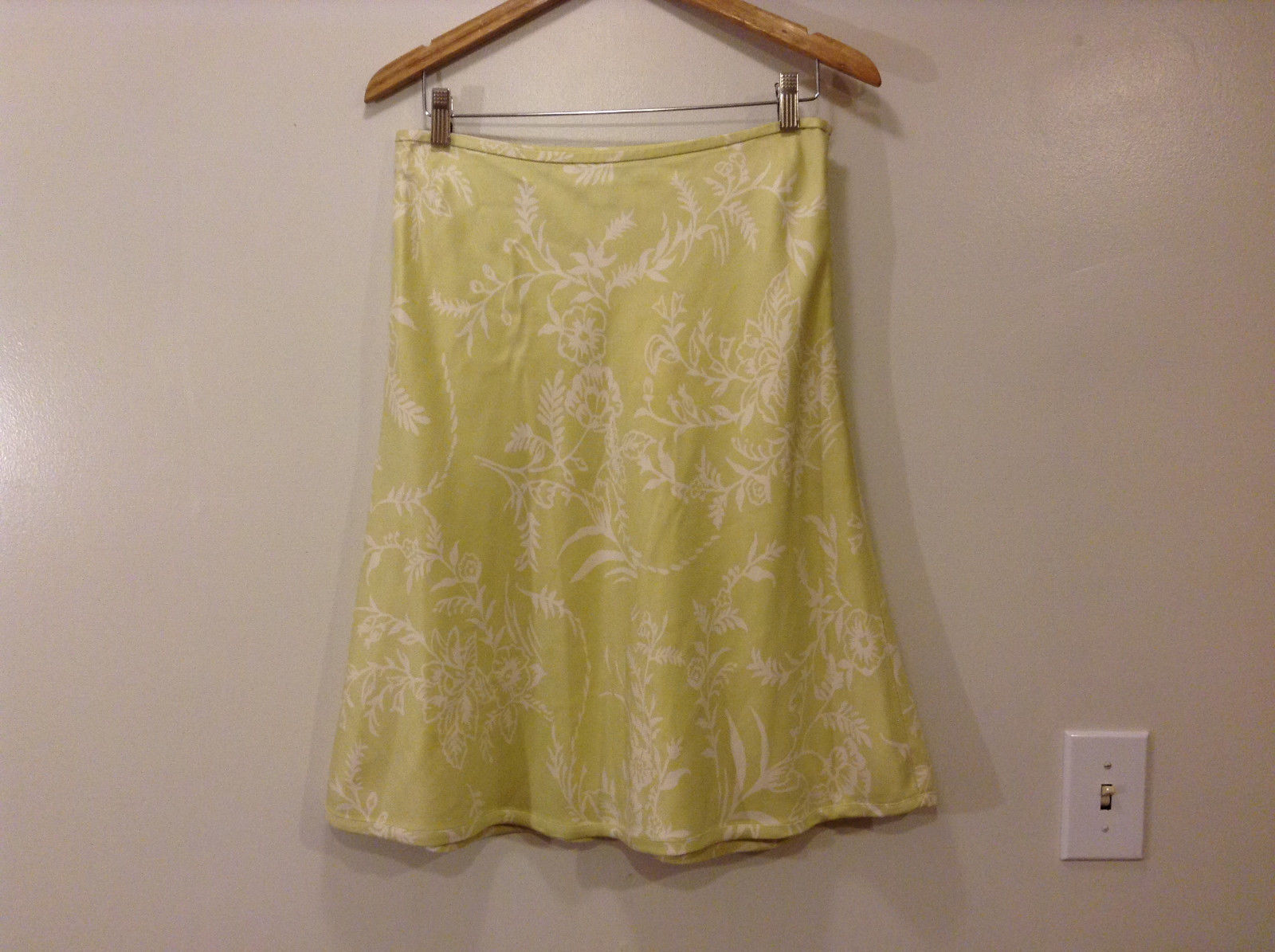 Ann Taylor Women's Size 8 Silk Skater Skirt Baroque Floral Print Yellow Green