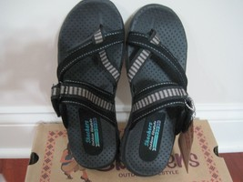 BNIB Womens Skechers Reggae Rasta Thong Sandals 58832 (black), size 6M - $35.00