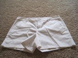 BNWT Liz Claiborne Womens petite flat front Chino shorts, white/tan, 12/... - $9.99