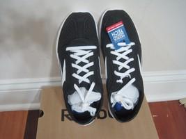 BNIB Reebok Women's Sport Ahead Action RS Walking Shoe, Size 8.5, Black/White - $35.18